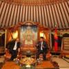 Монгол Улсын Ерөнхийлөгч Х.Баттулга Чингис хааны одонт, Төрийн шагналт, Урлагийн гавьяат зүтгэлтэн хөгжмийн зохиолч Б.Шаравыг хүлээн авч уулзлаа
