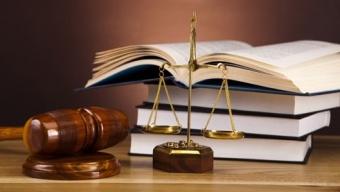 Монгол төр хууль зөрчиж иргэдийхээ өмчийг булааж авч байна